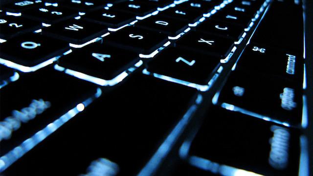 131115glowing-keyboard-thumb-640x360-67963